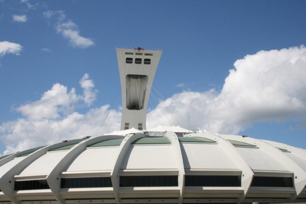 Stade olympique de montr al clio photo for Dimension piscine olympique
