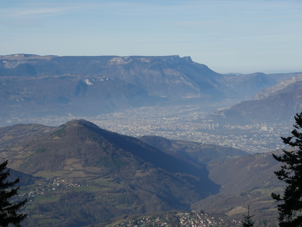 pollution atmos Grenoble 13 décembre 2016.jpg
