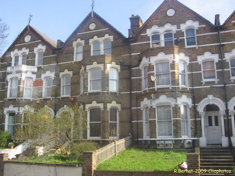 Maisons anglaises clio photo for Maison avec bow window