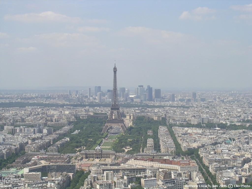 http://cliophoto.clionautes.org/galleries/GEOGRAPHIE/FRANCE/Ile-de-France/Paris/tour-eiffel1.jpg