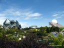 Les deux pavillons emblématiques du Futuroscope